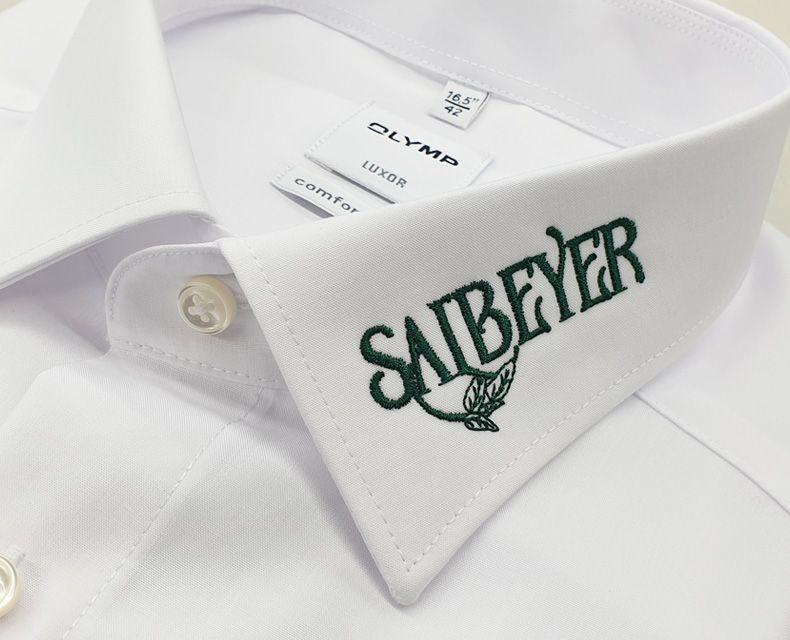 media/image/stickerei-hemdkragen-salbeyer.jpg